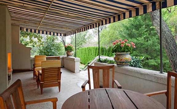3828 Turtle Creek patio