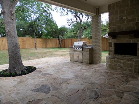 4026 Hockaday patio