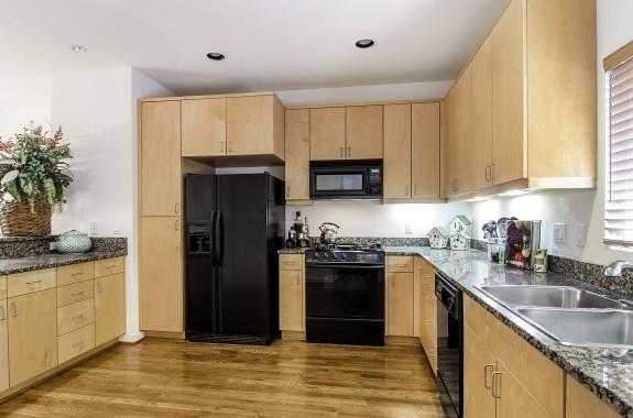 4100 Travis 8 Kitchen