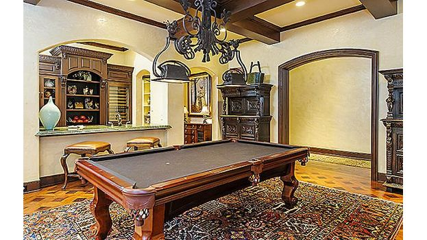 4223 Bordeaux billiards