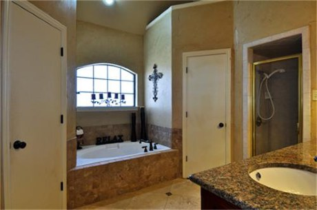 424 Windjammer Master Bath