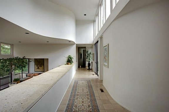 4258 Altura Hallway