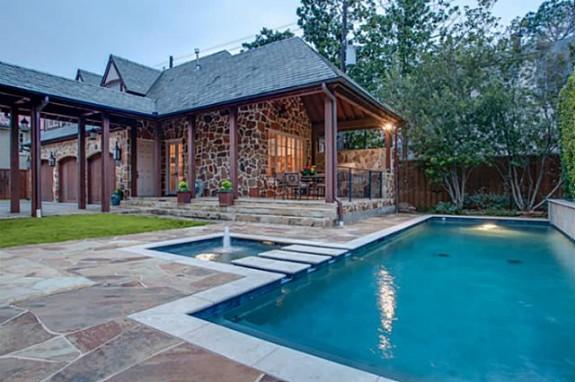4305 Arcady guest house