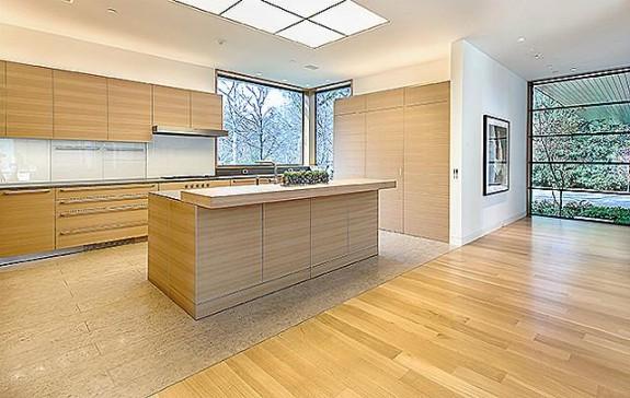 4610 Wildwood kitchen 2