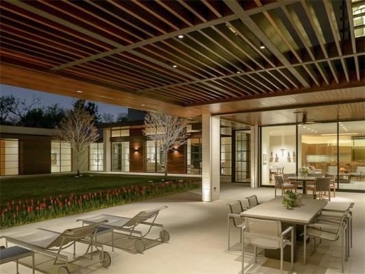 4610 Wildwood patio