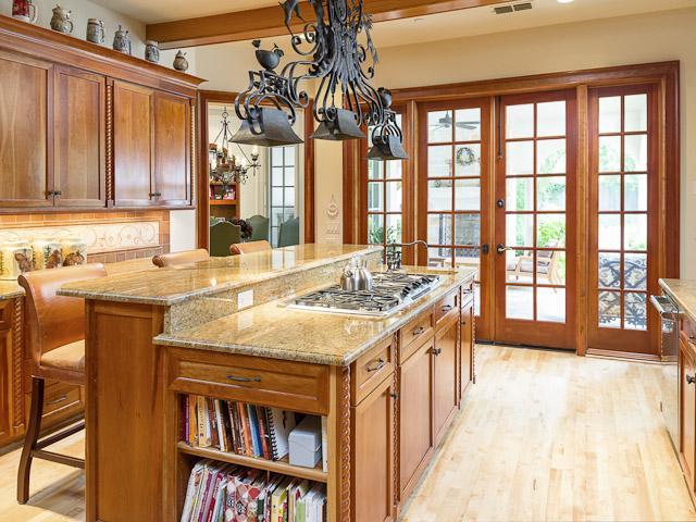4631 Valley Ridge kitchen2