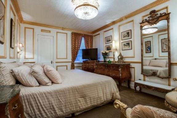 5029 Pershing Bedroom