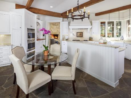 5210 Meaders kitchen