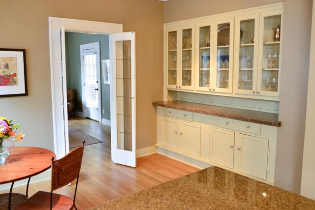 Listings archives for Swinging kitchen doors residential