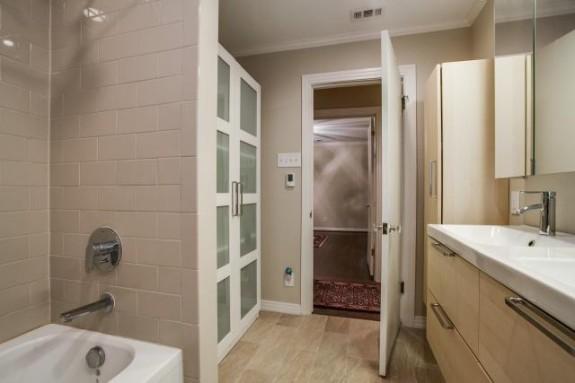 524 Northlake Master Bath