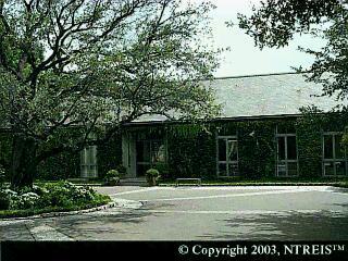 5411 Surrey Circle exterior