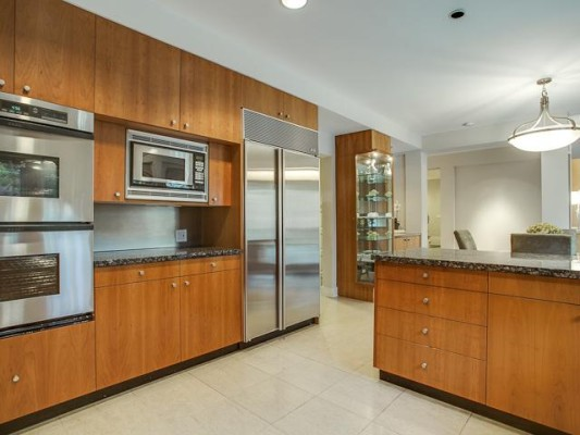 5616 Stonegate Kitchen 2