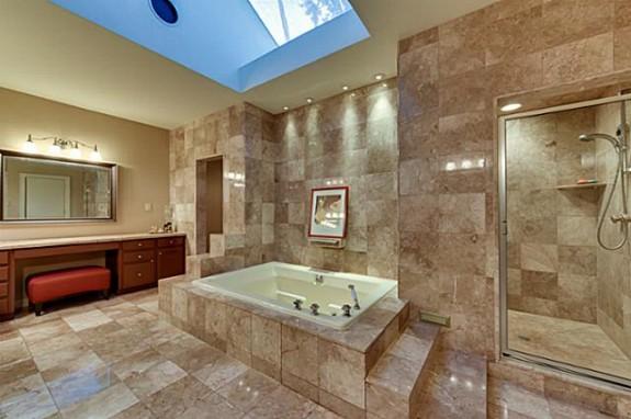 5618 Harbortown master bath
