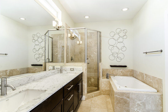 5711 Ross Ave Master Bath