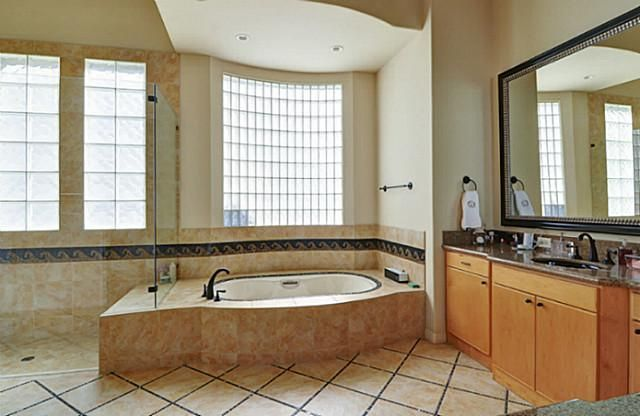 5771 Chamberlyne Drive master bath