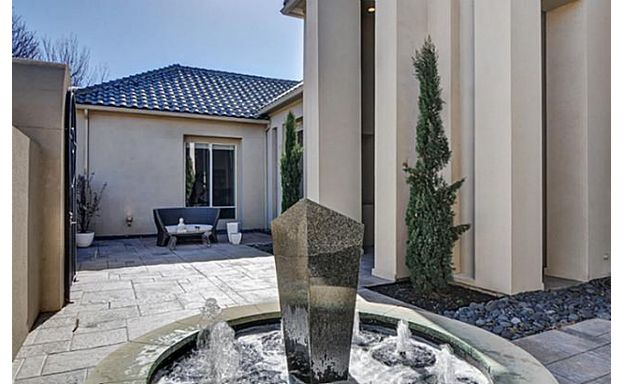 5771 Chamberlyne drive fountain