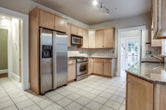 5802 Moticello Kitchen