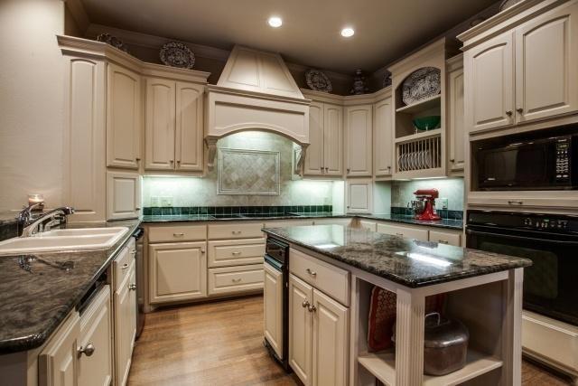 6 Nonesuch kitchen