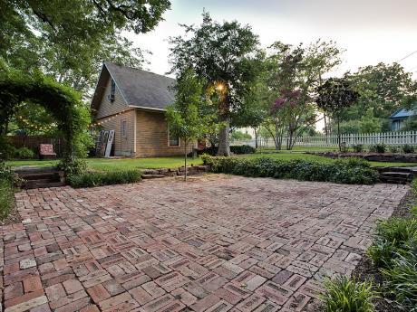 601 Parker Backyard