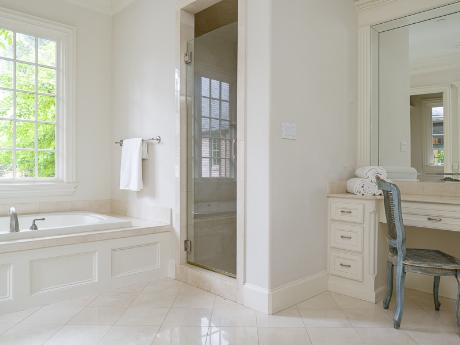 6239 Park Lane Master bath