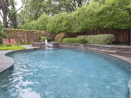 6239 Park Lane pool