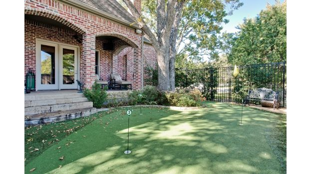 6414 Deloache Putting Green