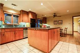 6522 Belmead kitchen