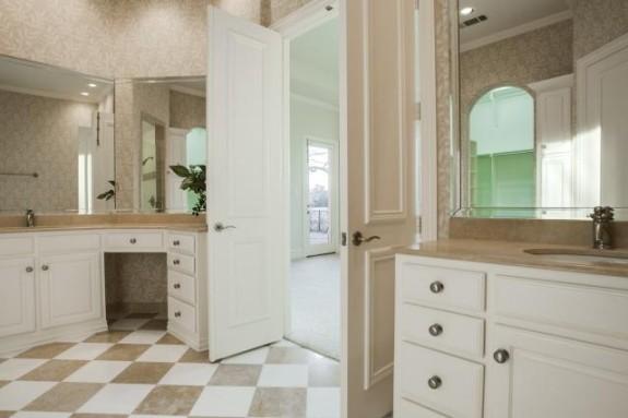 67 Abbey Woods master bath