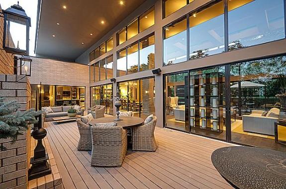 6720 Greenwich patio