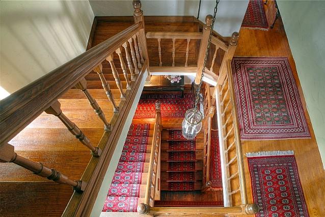 6835 Westlake stairs