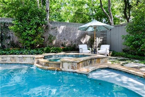 6843 Coronado Pool