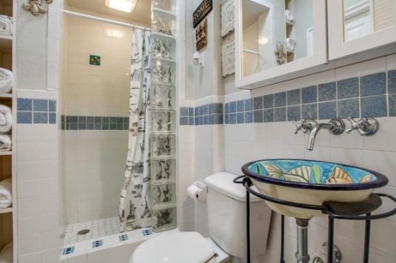 6934 San Mateo Second Bath