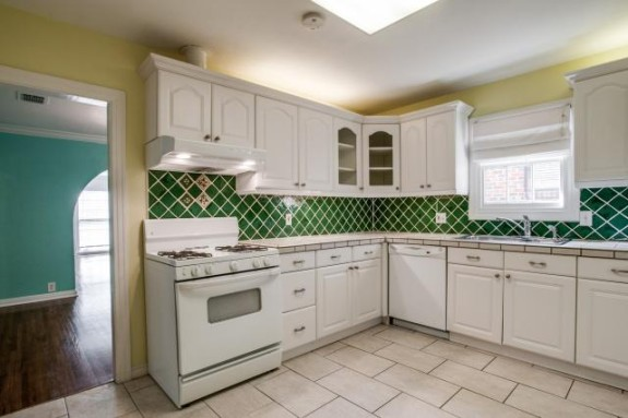 6939 San Mateo Kitchen 1