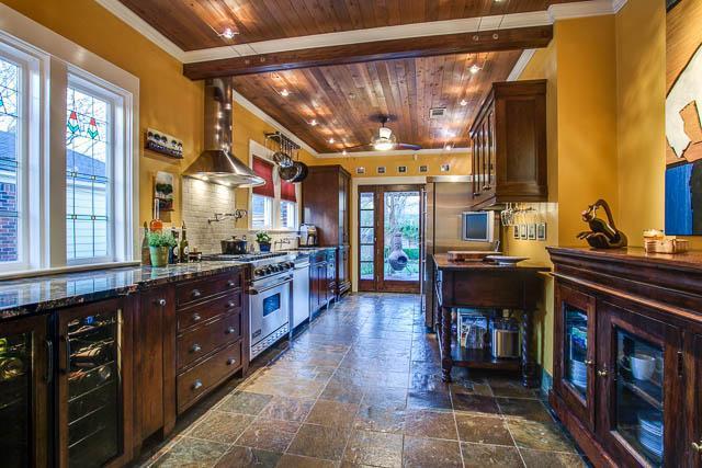 710 Cordova Kitchen