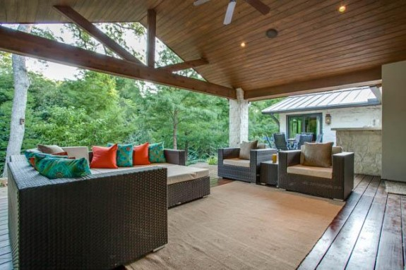 7151 Greentree Back Porch