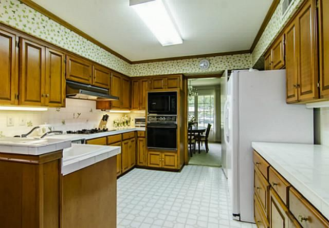 7207 Northaven kitchen 2