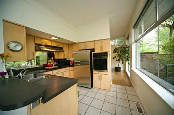 7306 Walling Kitchen
