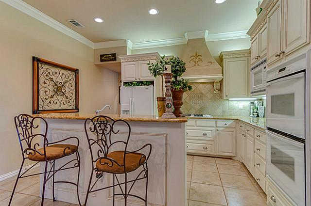 7929 Green Valley Kitchen