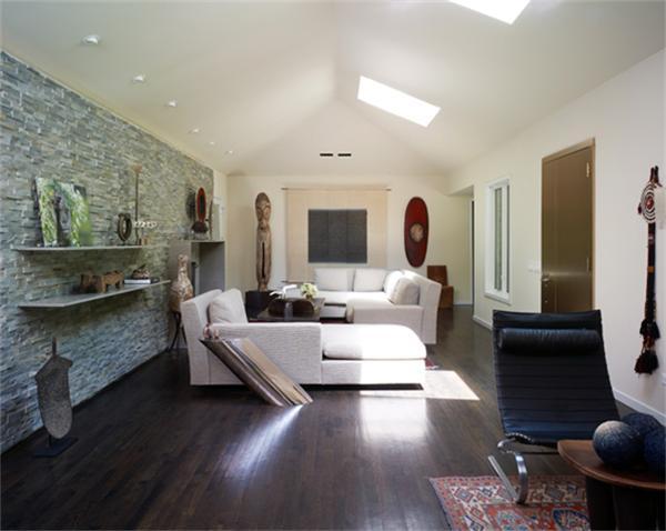 8205 Forest Hills Living
