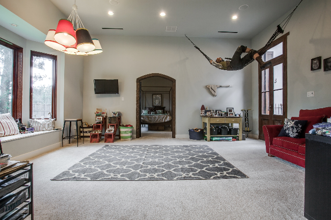 8211 Inwood playroom
