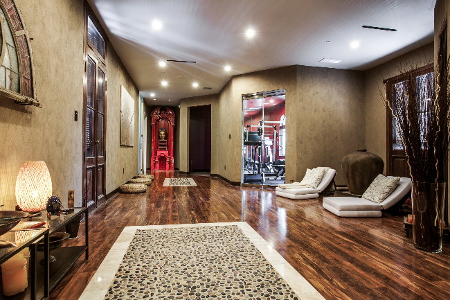 8211 Inwood spa entrance