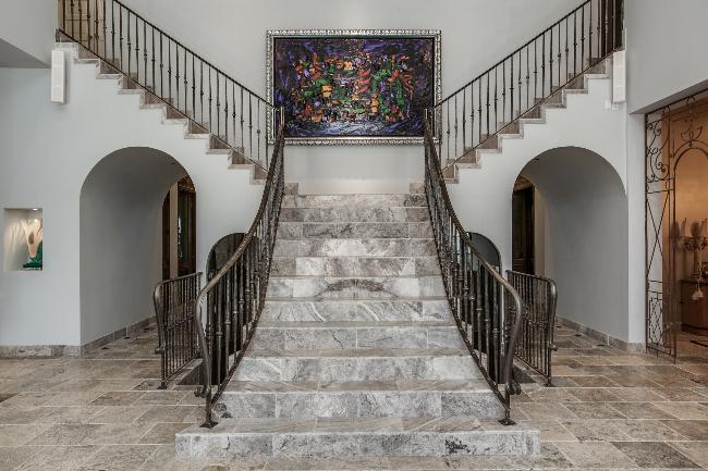 8211 Inwood split stairs