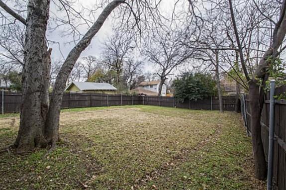 829 N. Montclair Backyard