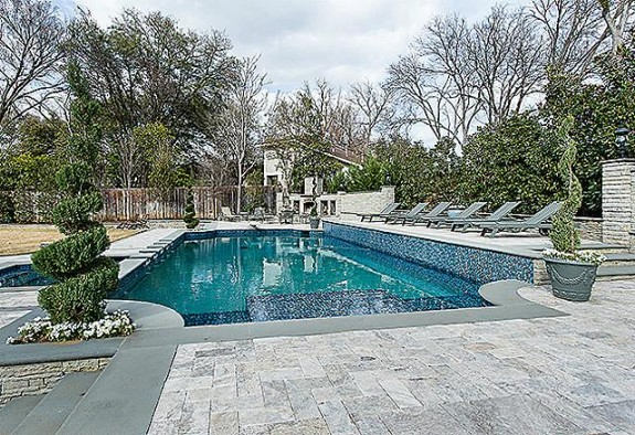 9346 Sunnybrook pool close