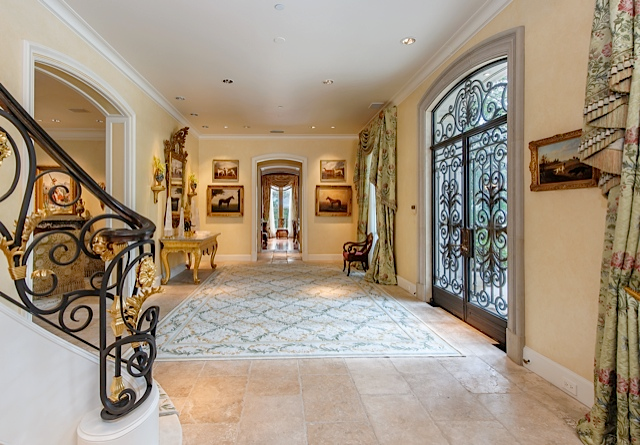 9434 Alva Ct Foyer 2