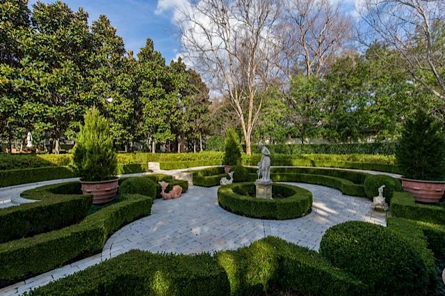 9434 Alva court master gardens