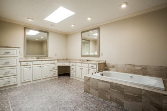9623 Windy Terrace Master bath 2