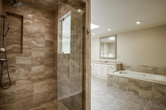 9623 Windy Terrace master bath
