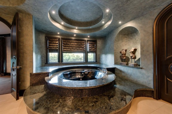 9800 Rockbrook master tub
