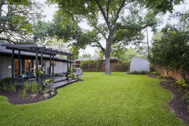 Green Terrace Backyard